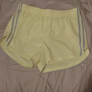 Danskin bright yellow 💛 workout shorts 💪